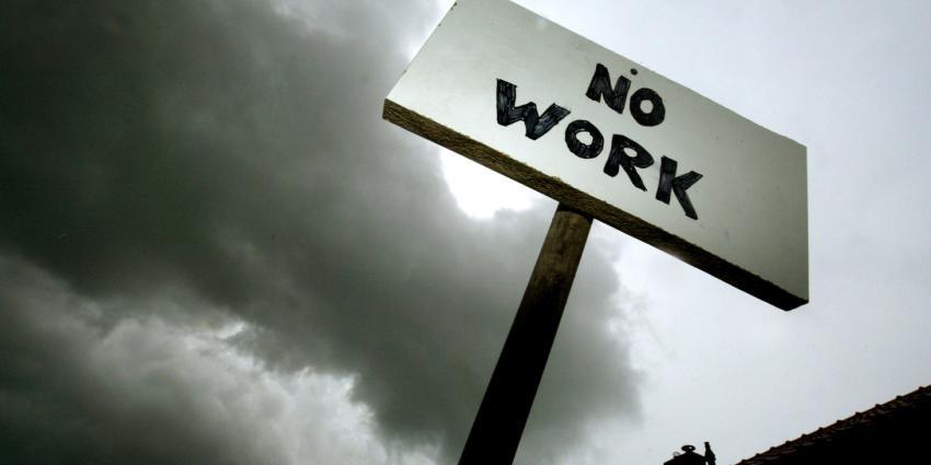 'In 2015 raken zeker 100.000 mensen hun baan kwijt'