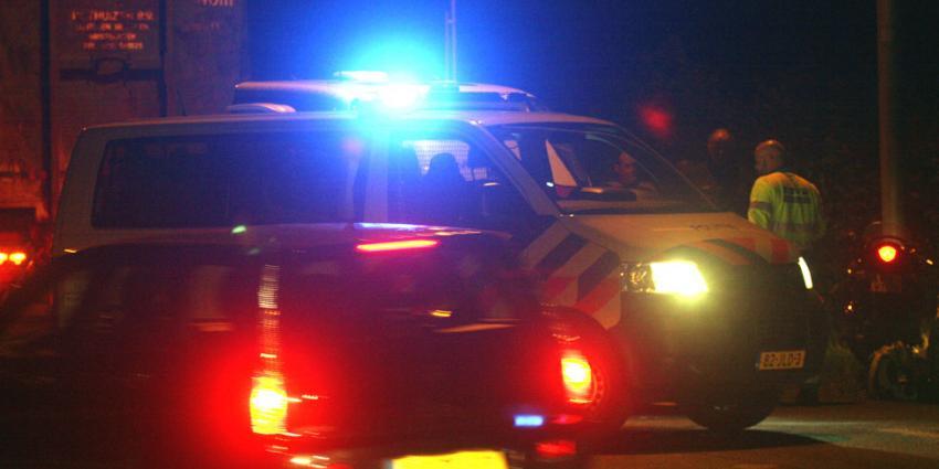 Verdachte rijdt sloot in bij achtervolging
