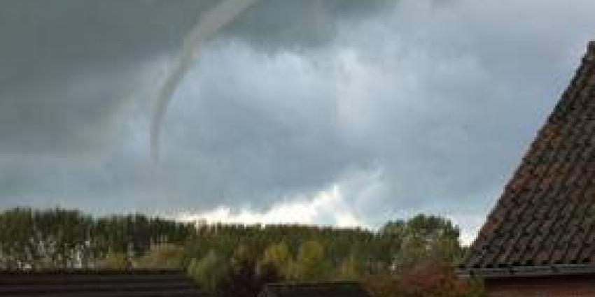 Windhoos zorgt voor grote schade in Zelhem