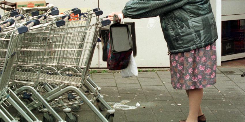 Eenrichtingsverkeer voor supermarktkarretjes kan besmetting beperken