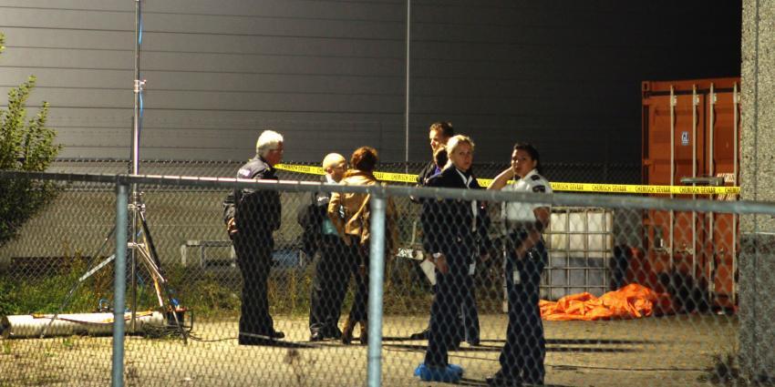 Politie stuit op 15.000 liter aceton in loods Rijen