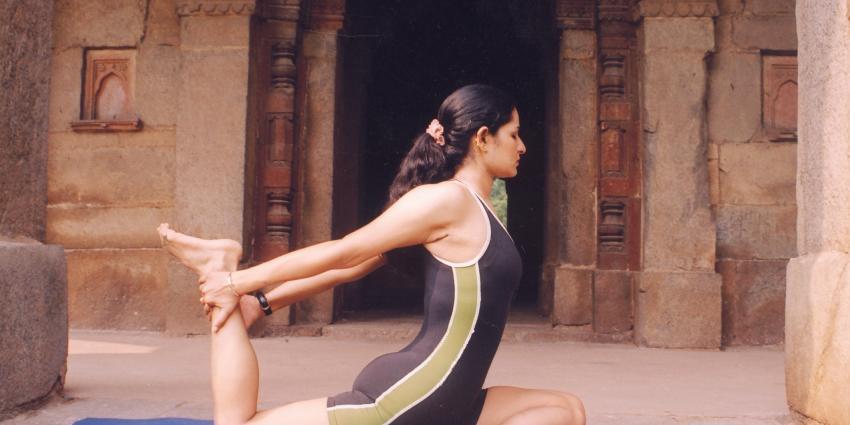 37.000 mensen doen in New Delhi mee aan eerste wereld yoga dag