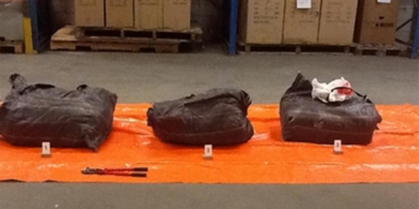 Voor 150 kilo cocaïne verstopt in metaalcontainer