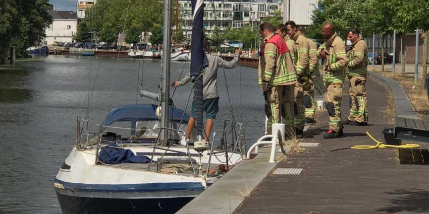 Zeilboot in de problemen