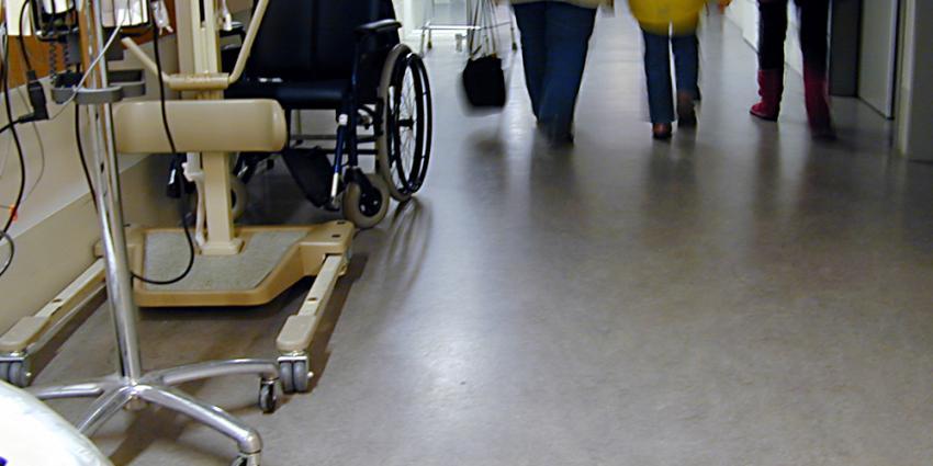 Ziekenhuis roept honderden mensen op voor test op bacterie