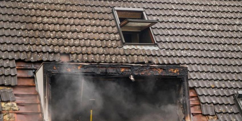 Uitslaande brand in woning Schiedam verwoest bovenverdieping