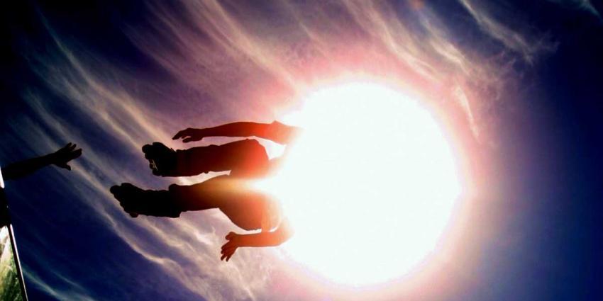 zon-skater-halfpipe