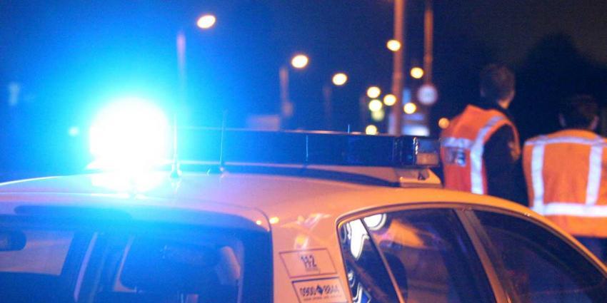 Gestolen auto klemgereden na achtervolging uit Duitsland