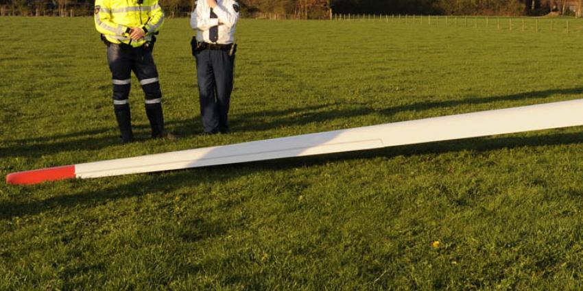 Zweefvliegtuig gecrasht in bossen Gelderse Malden