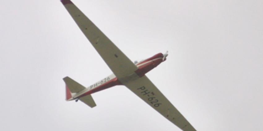 Jonge zweefvlieger (15) overleden bij crash op kerkhof