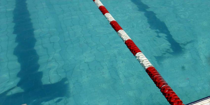 Zwemuurtje vrouwen loop volledig uit de hand