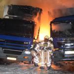 Vrachtwagen in vlammen opgegaan