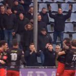 Elftal Excelsior loopt boos van veld 'Zwarte Piet-liedjes'