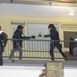 Politie valt woning binnen in Vlaardingen