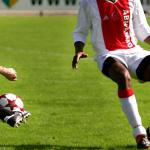 Ajax zoekt versterking voorhoede bij Arsenal