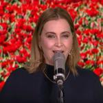 Anouk zingt 'LENTE' tijdens RTL Weerbericht