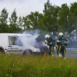 Bestelauto vat vlam op snelweg A50 bij Sint-Oedenrode