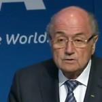 FIFA-baas Blatter stapt op