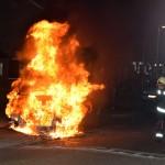 En weer auto in vlammen op in Hoogeveen