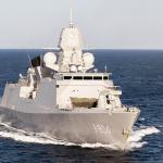 Stafschip De Ruyter bestrijdt mensensmokkel voor NAVO