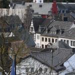 Klopjacht op man in Zwitserland die met kettingzaag 5 mensen heeft verwond