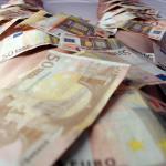 Man met bijna 2 miljoen euro op zak aangehouden in Amsterdam