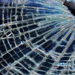 Foto van kapot glas | MV Blik op Nieuws