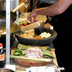 Twee aanhoudingen voor uitbuiting kok in Deventer