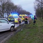 Twee gewonden bij kop staart botsing in Gieten