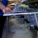 Twee Rotterdamse snackbars binnen zes minuten overvallen