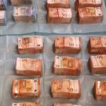 stapeltjes-bankbiljetten