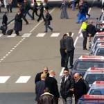 Hof:taxi's mogen ook zonder Schipholvergunning op luchthaven werken
