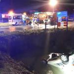 Voorbijgangers redden leven vader en zoon na auto te water