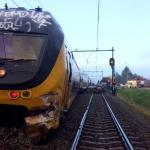 Trein ontspoord na botsing met dieplader in Wouw