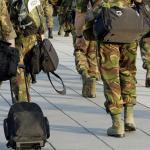 Advies: Militairen reis niet in uniform