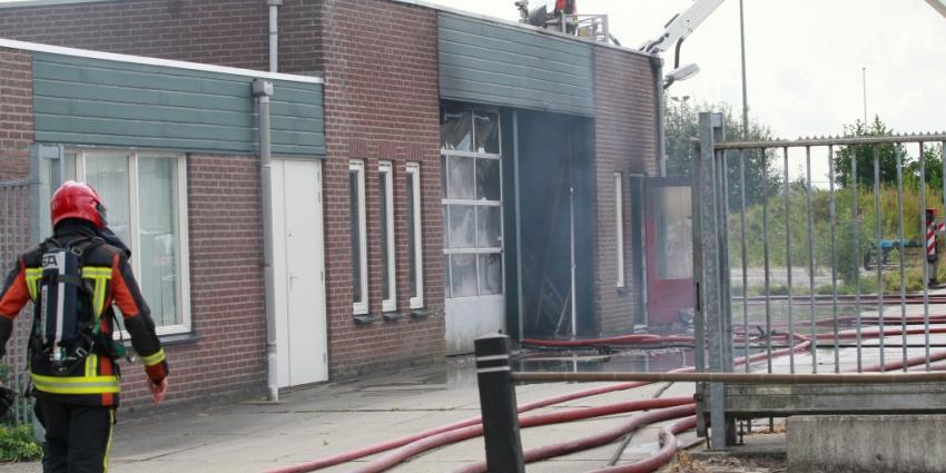 Gewonden bij bedrijfsbrand in Nieuw-Buinen