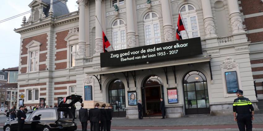 Amsterdam in het teken van afscheid Van der Laan