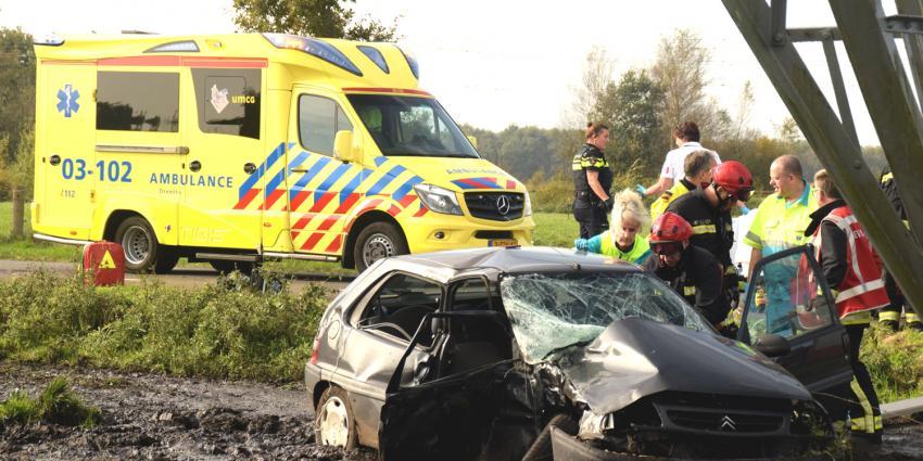 Drie gewonden bij aanrijding