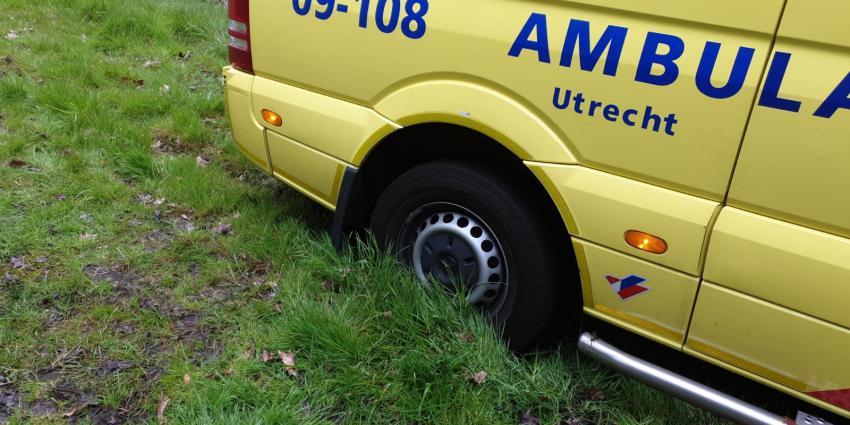 Ambulance vast in modder