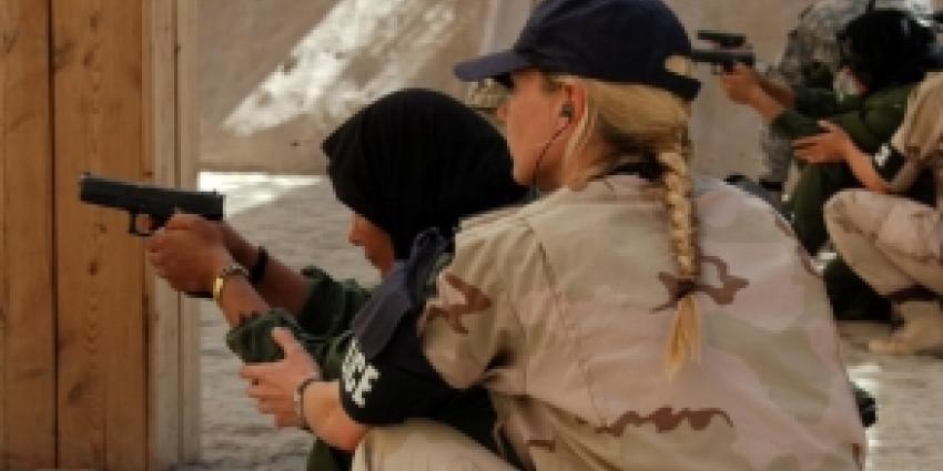 Militairen training Afghaanse politie   Min. Defensie