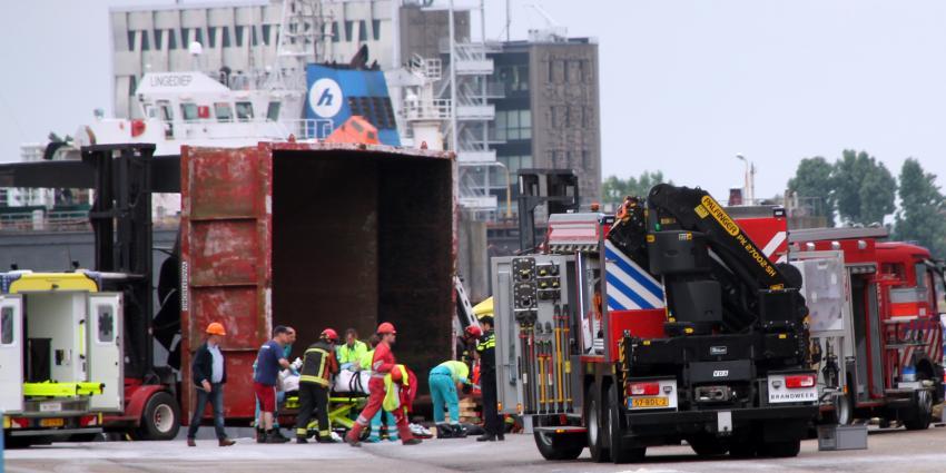 Twee zwaargewonden bij bedrijfsongeval in Delfzijl