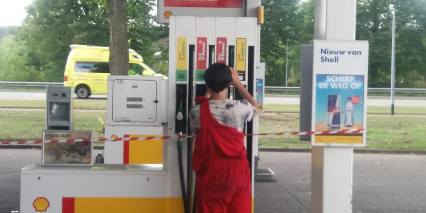Bezetting Shell tankstation