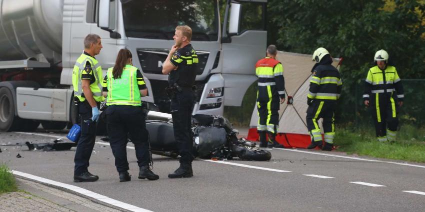 Motorrijder om het leven gekomen bij aanrijding met vrachtauto