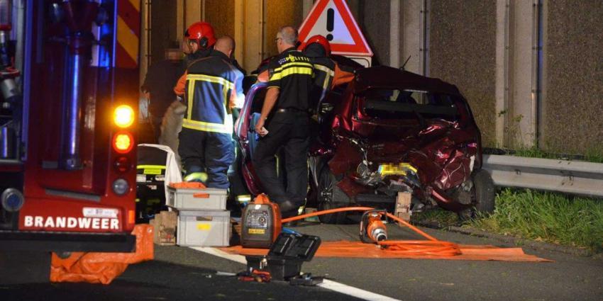 Ongeval A7 Sappemeer, 'ineens vlogen de brokstukken ons om de oren'