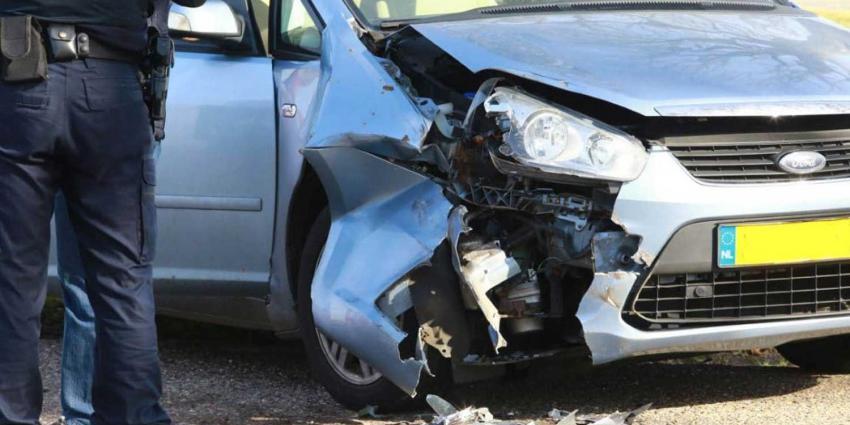 aanrijding-tractor-personenauto-schade