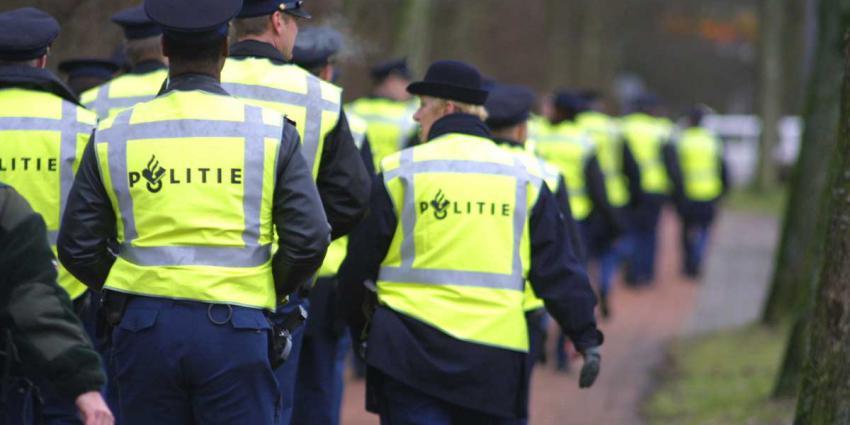 agenten-politie-gele-hesjes