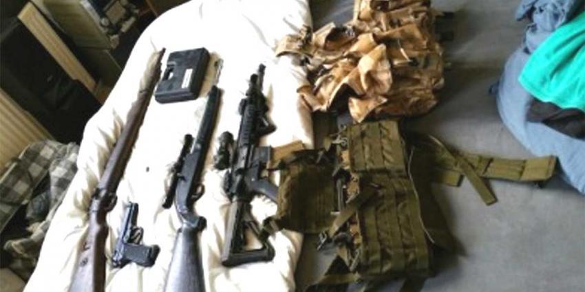 Vuurwapenliefhebber aangehouden na vondst meerder wapens in woning