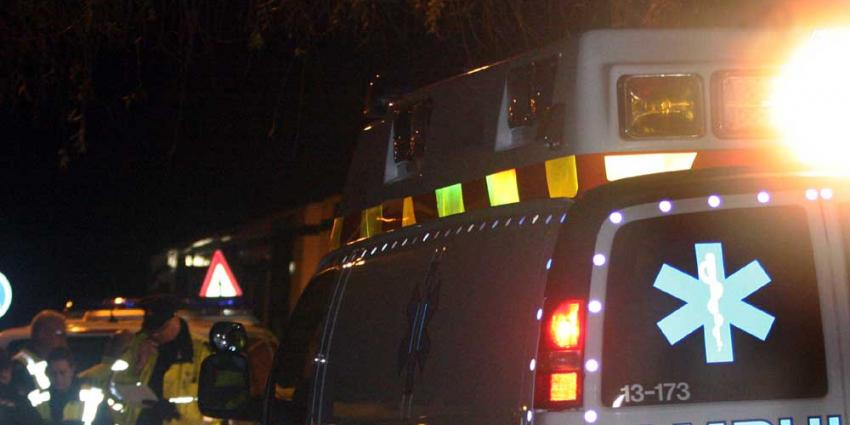 Foto van ambulance en politie in donker | Archief EHF
