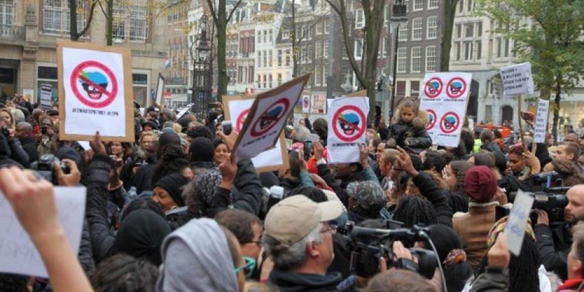 Foto van demonstratie tegen Zwarte Piet   BON