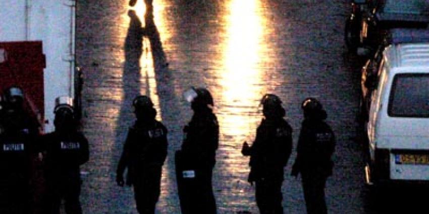 Foto van arrestatieteam bij woning | Archief EHF